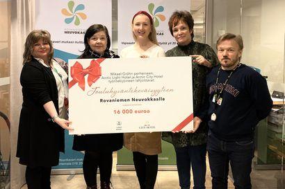 Mikael Gröhnin perhe ja yritykset lahjoittivat jouluiloa sadoille rovaniemeläisille