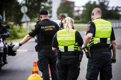 Kolmannes rajavartijoista reissutöissä tänä vuonna – satoja rajavirkamiehiä on siirretty länteen ja satamiin