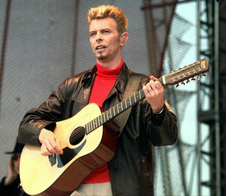 David Bowie esiintyi Turun Ruisrockissa vuonna 1997.
