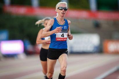 Annemari Kiekara juoksi 5 km:n tiejuoksun uuden Suomen ennätyksen