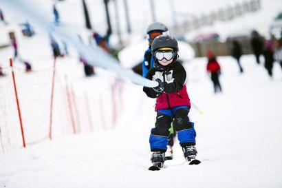 Korona vie mutta lumi tuo – Etelä-Suomen lumettomuus on täyttänyt Lapin hiihtokeskukset