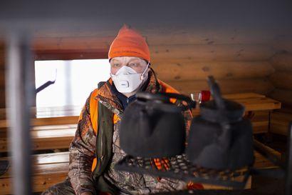 Maskit, käsidesit ja tarkat metsästysryhmät – korona on ulottanut suojakäytännöt myös metsästykseen, ja hirviporukat käyttävät niitä harkintansa mukaan