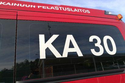 Retkeilyauto paloi parkkipaikalla Kajaanissa