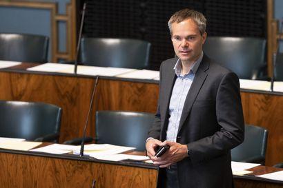 Kokoomus kysyy: Ovatko hallituksen kehuskelut tyhjiä, kun Unkari hehkuttaa Suomen vaatiman ehdon torppaamista EU-paketissa? – Myös perussuomalaisilta vaatimuksia