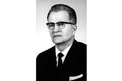 Musiikkineuvos oli uransa huipulla Raahessa - Lehtori Piha oli aikoinaan tuttu näky pyöräilemässä salkku tarakalla Rantakadulla