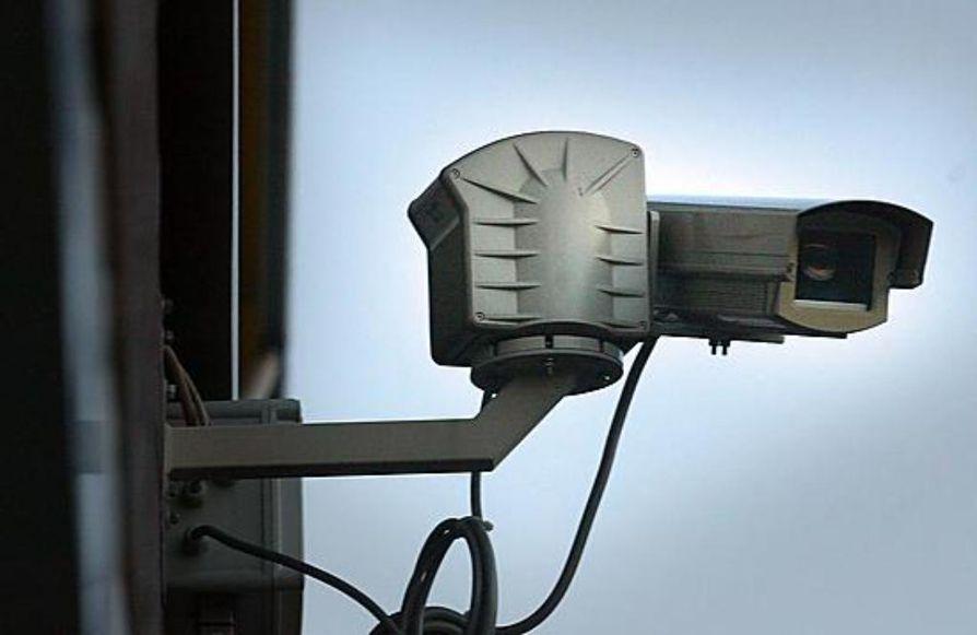 Suomen poliisi testaa uusia työkaluja rikostorjuntaan. Koekäytössä on sovelluksia, jotka tunnistavat ihmisen kasvojen perusteella esimerkiksi valvontakameran kuvista.