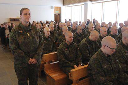 Ivalon Rajajääkärikomppanian sotilasvalatilaisuutta voi seurata nettilähetyksenä – Vala vannotaan Ivalon kirkossa