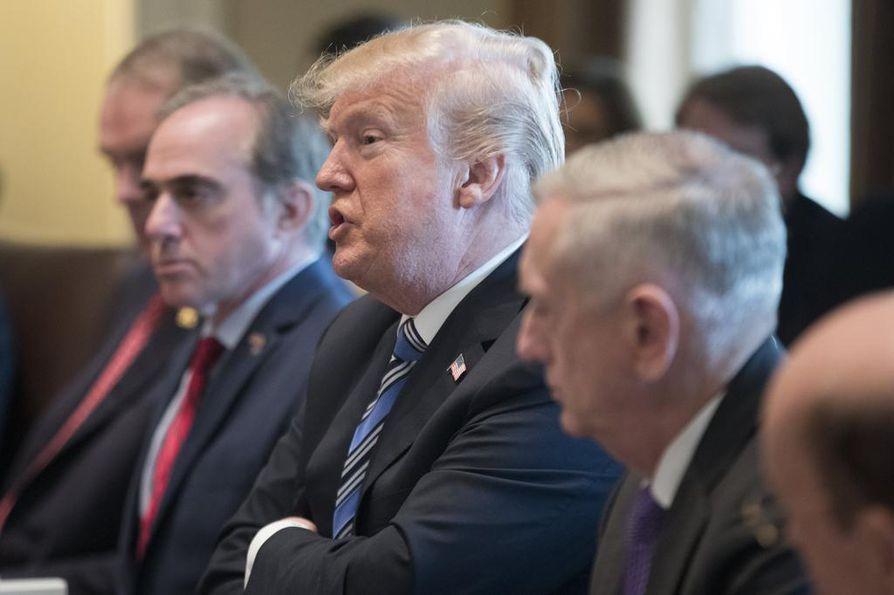 Yhdysvaltojen presidentti Donald Trumpin on määrä julkistaa lopulliset tullisuunnitelmat myöhemmin illalla.