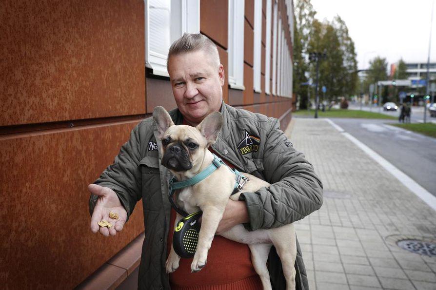 Hiput ovat nyt Janne Kannistolla, joka on itsekin kaivanut kultaa Saariselällä. Nykyisin hän etsii kultaa Sodankylän Vuotsolta. Mukana kultamailla kulkee myös Mimmi-koira.