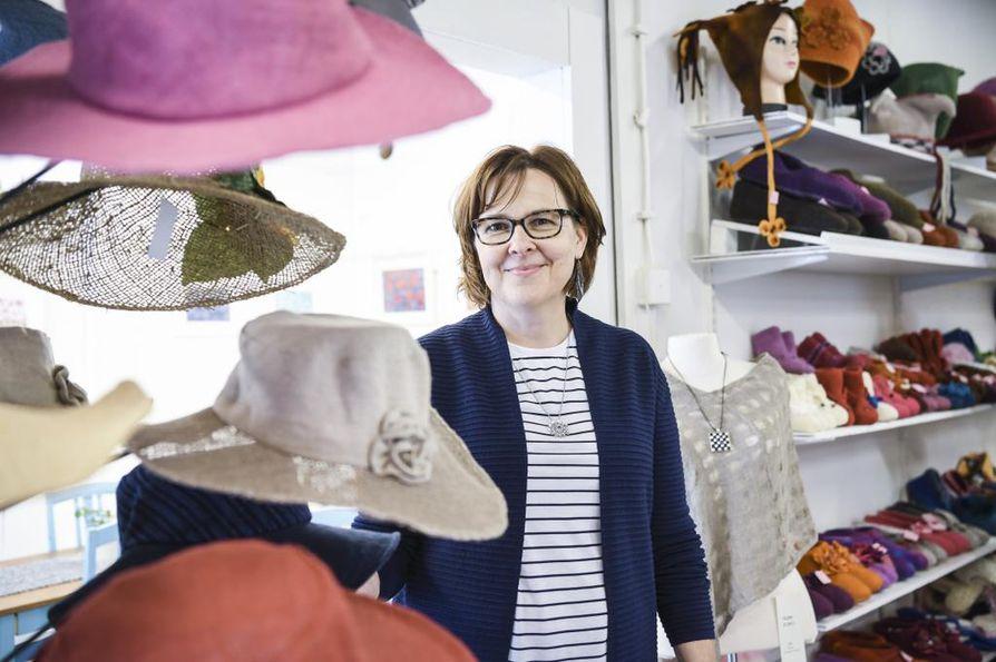 Anne Laakso on pitänyt vuoden ympärivuotisesti a´la Talli -kädentaitopuotia.