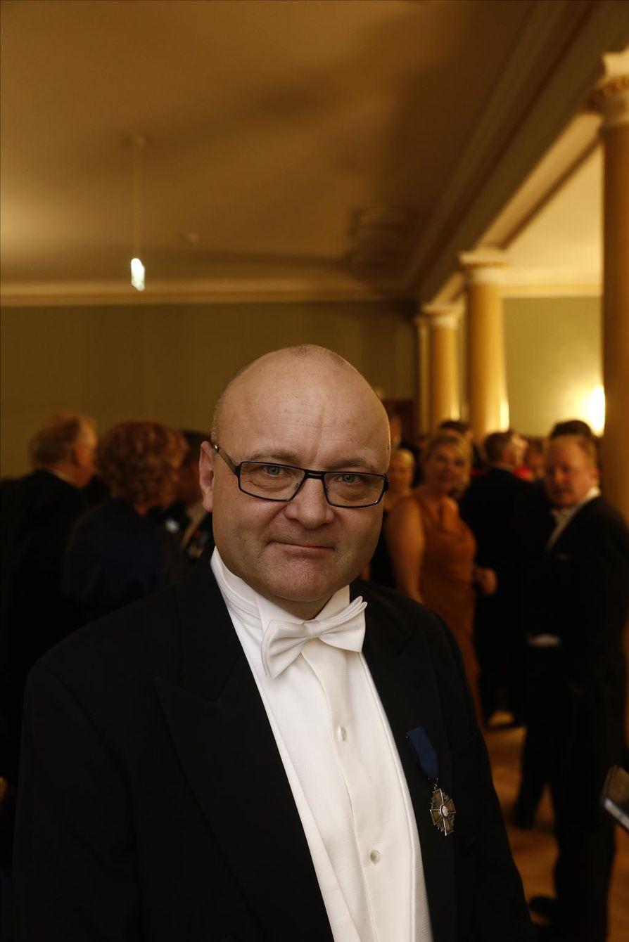 Tapio Suominen aikoi lähteä Linnan juhlista ensimmäisten joukossa, koska haluaa säästellä itseään.