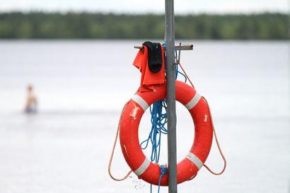Rajahaudan uimarannalla uineilla henkilöillä havaittu järvisyyhyä – pitkäaikaista oleskelua vedessä tulee välttää