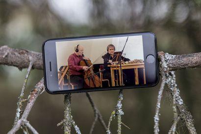 Arvio: Sytyttävä tilausteos, Bach-meditaatiota, kansanmusiikkikierteitä ja tuliterä kantaesitys – Hetan Musiikkipäivien etäversio soi pitkäperjantaina Enontekiön kirkossa