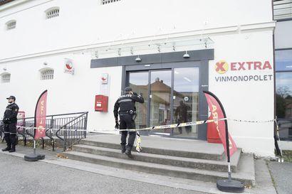 Norjan turvallisuuspoliisi: Jousiasehyökkäyksessä näyttäisi olevan kyse terrori-iskusta – epäiltyä 37-vuotiasta miestä esitetään vangittavaksi