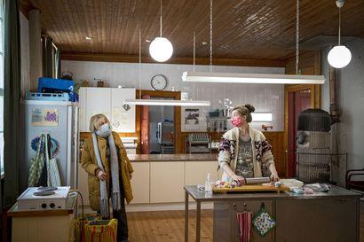 Meri-Lapissa kuvattava Huonot naiset -elokuva ensi-iltaan ensi vuonna – komediaa tähdittävät muun muassa Leea Klemola, Jussi Vatanen ja Kari Ketonen