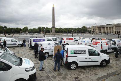 Ranskassa poliisit marssivat protestiksi hallitukselle – he kokevat joutuneensa syntipukiksi rasismin vastaisten mielenosoitusten vuoksi