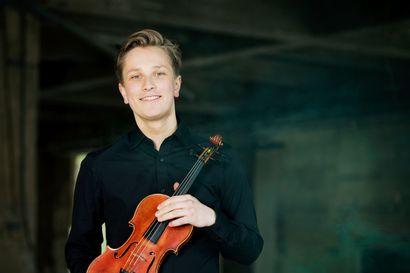 Kamariorkesterin vieraana viulisti Abel Puustinen – Syyskonsertissa luvassa upouutta ja hittiklassikkoja