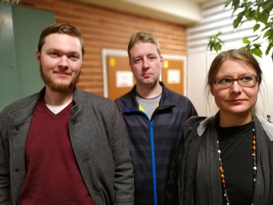 Matias Nurmi Kajaanista, Simo Heikkinen Puolangalta ja Esther Takaluoma Kajaanista tulivat kuuntelemaan alustuksia Terrafamen uraanihankkeesta, vaikka eivät asu aivan kaivoksen lähialueella.