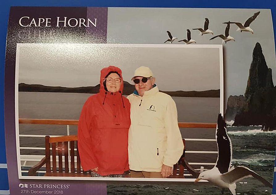 Muistoksi Kap Hornista Inkeri ja Matti Leiber saivat valokuvan sekä kirjallisen todistuksen.