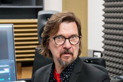 Poikkeustilassa olisi erityisen tärkeää saada nauraa, sanoo ohjaaja-käsikirjoittaja Heikki Huttu-Hiltunen