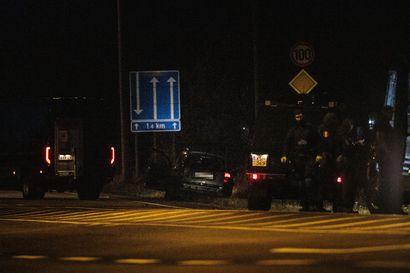 KRP vaatii Porvoon poliisiampumisista epäiltyjä miehiä vangittaviksi – molempia epäillään useista murhan yrityksistä