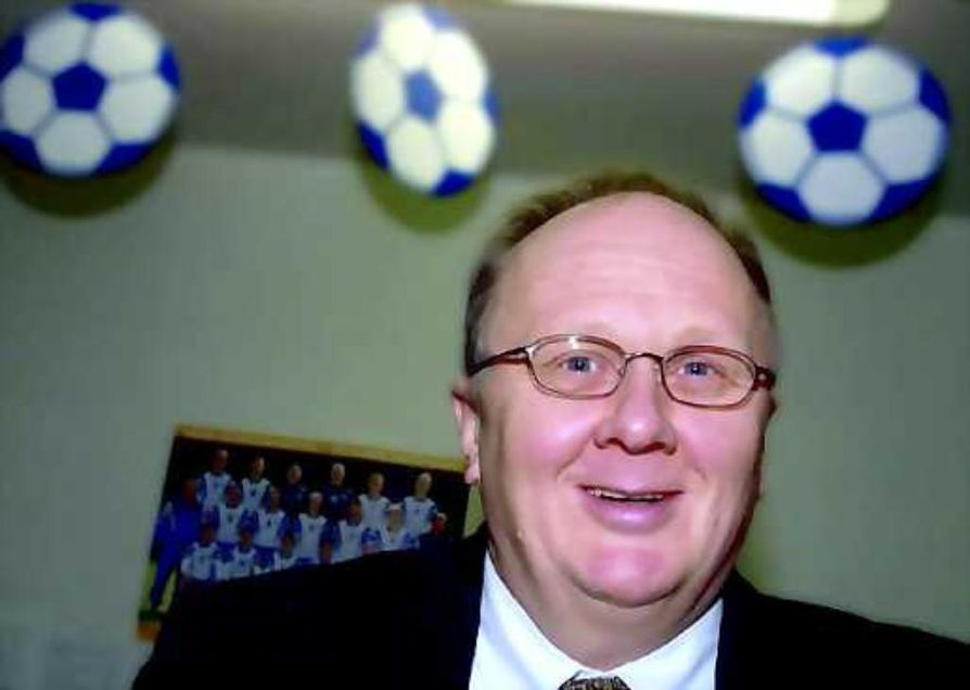 Nuorisopastori Matti Pikkarainen on Oulun kaupunginhallituksen puheenjohtaja.