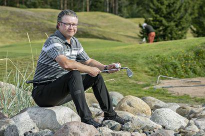 """Oulun Golfkerhon valmennuspäällikkö Harri Thil on elättänyt itsensä golfilla jo yli 20 vuotta – """"Olen sanonut kavereilleni monesti, että olen vuosikaudet vain leikkinyt ihmisten kanssa golfkentillä"""""""
