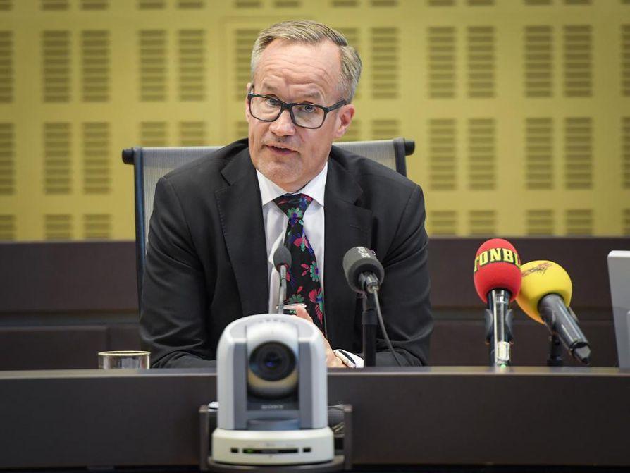 Tuomari Ragnar Palmkvist ilmoitti Rahmat Akilovin tuomiosta Tukholmassa torstaina.