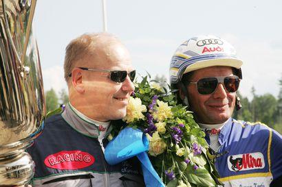 Huikea Calgary Games kuittasi Ruotsin derbyn neljä miljoonaa kruunua, Timo Nurmos ja Jorma Kontio juhlivat