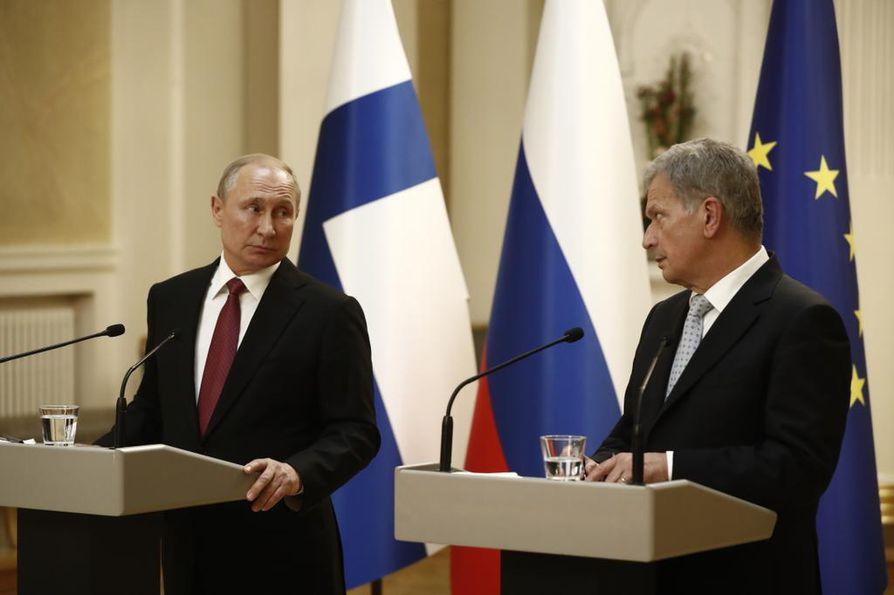 Presidentti Vladimir Putin kiitteli Suomen asennetta Itämeren kaasuputkeen. Presidentti Sauli Niinistö toisti Suomen näkemyksen, jonka mukaan putki on etupäässä ympäristökysymys.