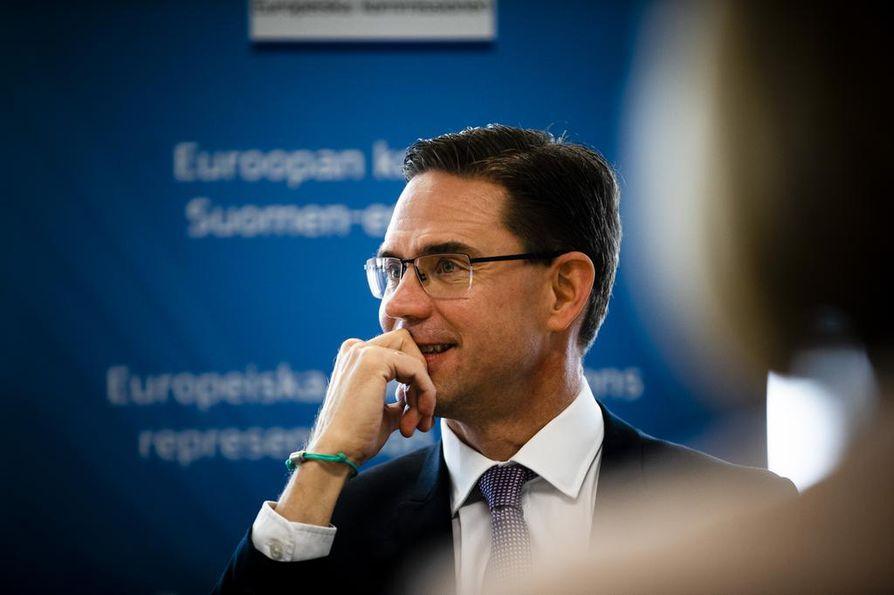 Komissaari ja entinen pääministeri Jyrki Katainen pyrkii Sitran yliasiamieheksi.