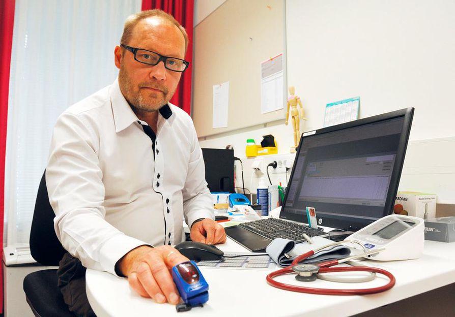 Lääkäreitä helpottavan tekniikan kehitys tapahtuu vähitellen. Esimerkiksi langaton  pulssioksimetri helpottaa lääkäriä  tekemään pika-arvion potilaan keuhkojen kunnosta ja yleisvoinnista vastaanotolla.