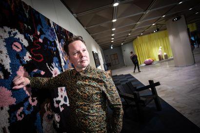 """Maailmalla menestynyt suunnittelija Klaus Haapaniemi: """"En usko, että on yhtään vaatetta, joka olisi eettisesti täysin puhdas"""""""