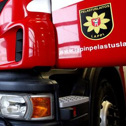 Mystinen hätälähetinilmoitus Sodankylässä – Pelastuslaitoksen kelkkapartio etsi hätäkutsun lähettäjää tunturissa