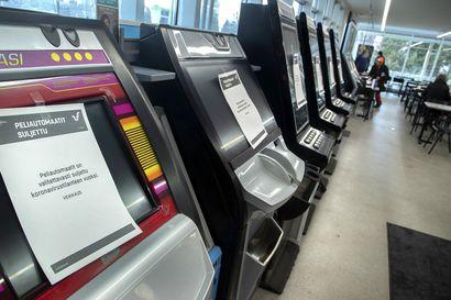 Pitäisikö peliautomaatit poistaa kaupoista, kioskeista ja kahviloista? Työryhmän mukaan se on yksi vaihtoehto