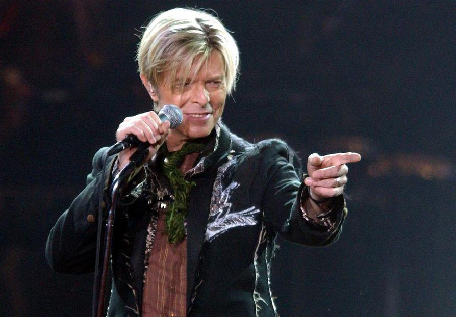 David Bowie lavalla Hampurissa  vuonna  2003.
