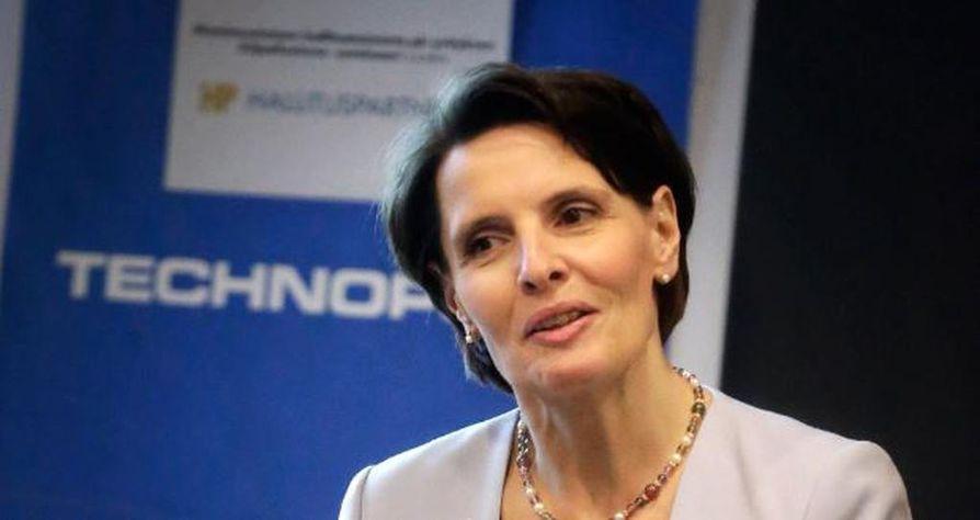 Liikenneministeri Anne Berner uskoo, että VR saa kilpailijan raiteille kenties jo ensi vuoden aikana. Hänen mukaansa kiinnostusta on ollut sekä henkilö- että taravaliikenteen puolella.