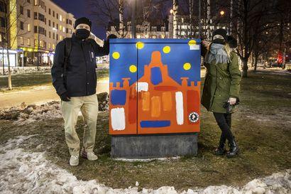 Ruudun takana piilee toisenlainen todellisuus – Oulussa on nyt kolme katutaideteosta, jotka heräävät puhelimen avulla uudella tavalla eloon