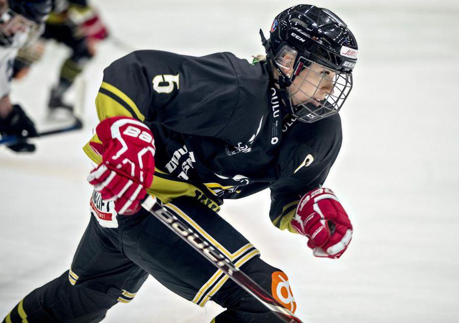 MM-hopeamitalisti Isa Rahunen on Kärppien puolustuksen peruspilari myös alkavalla jääkiekkokaudella.