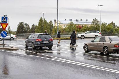 """""""Ei ole valitettavasti uusi ongelma"""" – Rovaniemi sijoittui listan häntäpäähän suojateiden turvallisuustestissä"""