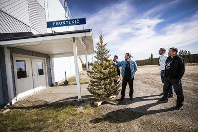 Enontekiöläiset eivät voi odottaa Finavian lentokenttäratkaisua syksyyn, tiimalasissa aikaa on enää muutamia päiviä
