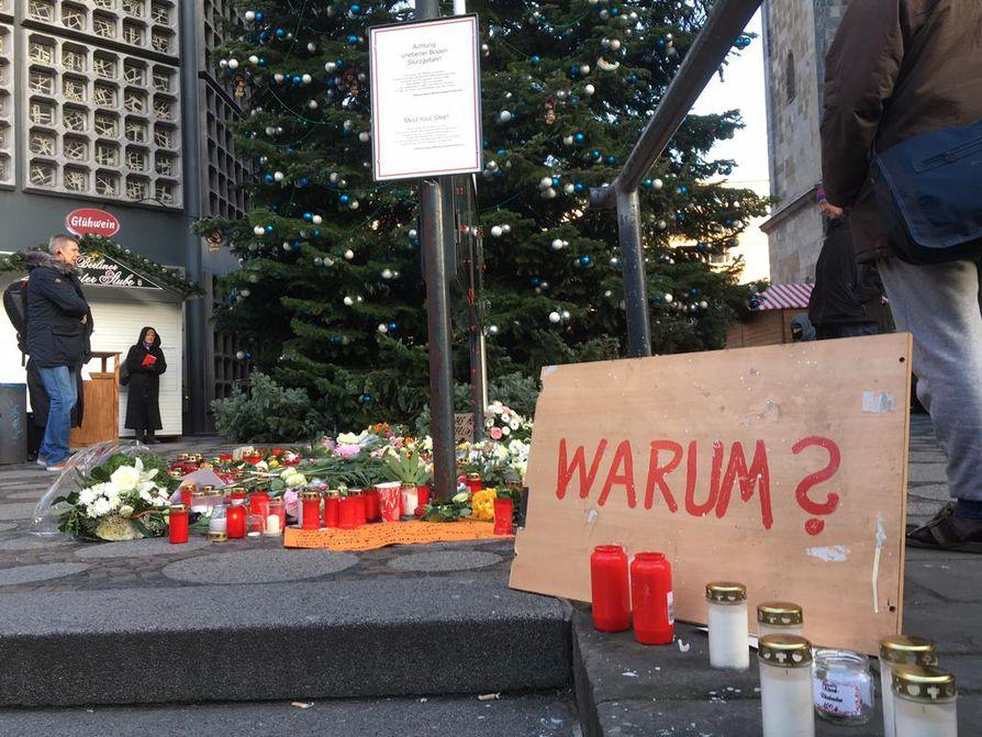 Kaksitoista ihmistä kuoli rekan syöksyttyä joulutorille 19. joulukuuta. Urban oli yksi kuolonuhreista.