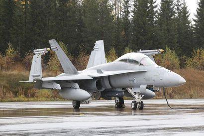Puolustusvoimat lähetti tarkennetun tarjouspyynnön Hornetien korvaajista – lopullinen valinta tulevasta hävittäjämallista tehdään vuonna 2021