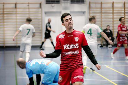 FC Kemin maalihanat aukesivat toisella puoliajalla kärkiottelussa Akaa Futsalia vastaan, Henry Gutierrez kolmen maalin tehomies