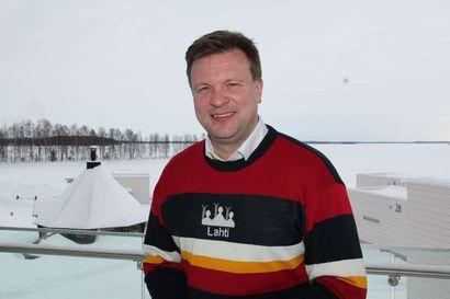 Meri-Lapin teollisuutta arvostava ministeri Ville Skinnari uskoo, että Kemin infrahankkeiden tukemiseksi löytyy ratkaisu