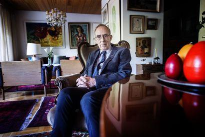 """""""Rahaa pitäisi jakaa sitten kaikille"""" – arkkiatri Risto Pelkonen ei välttämättä pitäisi hoitajien palkankorotusta perusteltuna, toisin kuin kertakorvausta koronakriisin etulinjaan"""