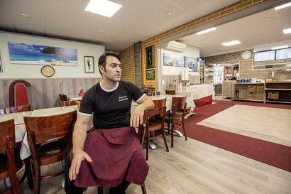 Kun tulipalo tuhosi Pizzeria Finlandian, Haci Cinar ryhtyi alkushokin jälkeen miettimään, mitä on tehtävä ja ryhtyi töihin – Nyt yritys on jälleen auki