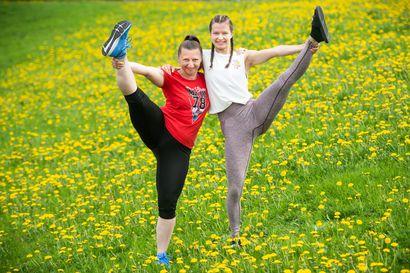 Iloisesti tanssien osaksi isoa seuraa – Kuusamon Erä-Veikot saivat joukon osaavia tanssijoita mukaan ison yleisseuran toimintaan