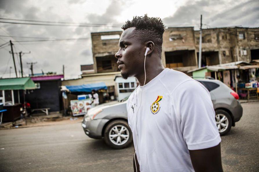Issah Yakubulle jää harvoin aikaa kulkea kaduilla. Jalkapallo, lepo ja uskonto täyttävät hänen elämänsä.