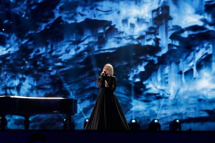Norma John edustaa Suomea Euroviisuissa tänä vuonna. Kappaleena Blackbird-balladi.